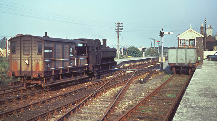 7412 & brakevan at Brize Norton & Bampton on 14 October 1961