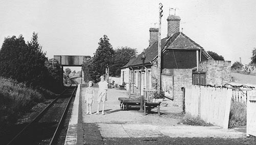 Alvescot Station in 1961