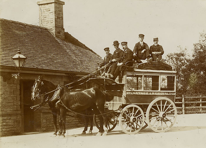 Horse bus at Bampton station in 1908