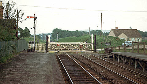 Eynsham level crossing